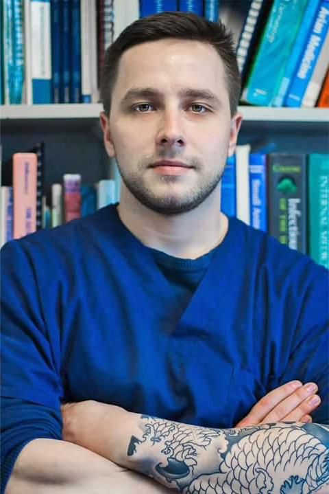 Д-р Святослав Рягузов
