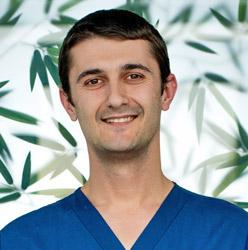 Д-р Веселин Милушев